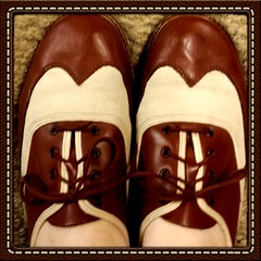My very first pair of dance shoes <3 Not the bowling shoes I was using. (junkieforyourlove) Tags: shoes danceshoes wingtips