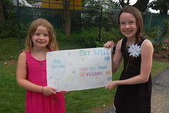 Jenna & Meagan Diver and their card for Caolan