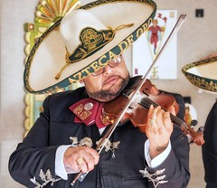 PB120149 (bvriesem) Tags: heardmuseum native indian museum phoenix arizona mercadodelasartes mariachis