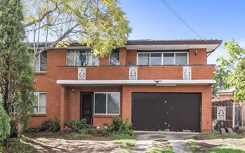 4 Tyalla Close, Casula NSW 2170