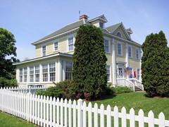 Longfellow House (vapspwi) Tags: minneapolis minnesota minnehaha park house longfellow visitorcenter