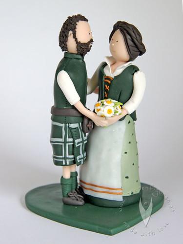 Hochzeitstortenfigur Trachten Brautpaar A Photo On Flickriver