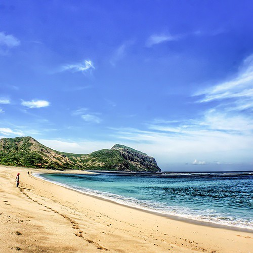 Sekongkang Beach Taliwang West Sumbawa  The Beauty Of Sumbawa Island #indonesia #u_phy #infotourismindo #switcheyesnap #instanusantara  @instanusantara @infotourismindo #indonesia_photography @indonesia_photography #HDR #hdr_flair #sony #sonymirrorless #s