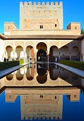 Patio Arrayanes en Alhambra, Granada. (eustoquio.molina) Tags: la alhambra granada patio arrayanes monumento monument arquitectura architecture reflejos reflection