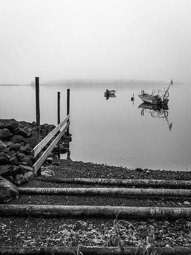 Calm and misty autumn day on Varvi