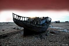 Dungeness Life  IV (www.hot-gomez-fotografie.de) Tags: dungeness kent kentlife uk beach shale boat ruin relic rotting old fishing nikon