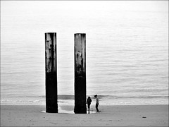 Twins (herman van hulzen) Tags: people beach netherlands island nederland zeeland estuary vlissingen eiland walcheren estuarium westerschelde hermanvanhulzen