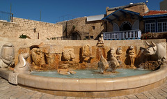 tel aviv jaffa fountain (Israel Reiseleiter Ushi.Engel) Tags: fountain israel tel aviv jaffa zodiac