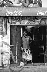 My neighbors in Galle (luca64bj) Tags: d76 srilanka galle ilford sonnar135 ilfordpan100 pan100 zeiss135 fujica605