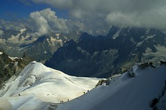 Road to Mont-Blanc (Davidrr82) Tags: mountain france alps climbing montblanc alpinista aguilledumidi