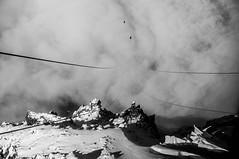 Au del des Cieux (Anthonicimes) Tags: montagne neige paysage orientation montblanc benne aiguilledumidi tlcabine horizontale moyendetransport techniquedephoto