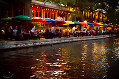 Walkabout at the San Antonio River Walk (LookingUpPhotography) Tags: fall sanantonio river texas walkabout riverwalk 2015 sanantonioriverwalk paseodelrío clickinmoms karenkahn lookingupphotography clickaway greenwichphotographer lookingupphoto kahnphotography