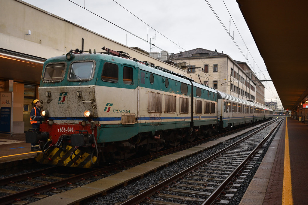 The world 39 s best photos of e656 and locomotive flickr - Orari treni torino porta nuova genova brignole ...