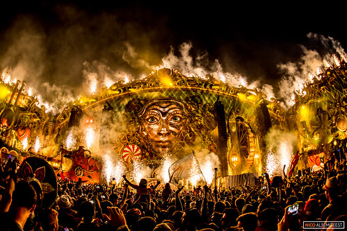 The Mainstage on fire @ Tomorrowland 2014