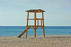No Lifeguard on duty (George @) Tags: πύργοσ ναυαγοσώστησ ναυαγοσώστη παραλία διασώστησ θάλασσα ξύλινοσ παρατήρησησ αμμουδιά baywatch lifeguard tower guard watching beach coast sea sand yellow sky rescue water coastline shore seaside view horizon landscape lifesaver rescuer empty seascape station tourism travel vacation summer photography watch protect nobody safe safety recreation gold golden evening george eyes papakigeorge photomaniagreece greece visitgreece greekphotographers landscapephotography europeanphotography naturephotography holidays amazing beautiful place beauty macedoniagreece makedonia timeless macedonian μακεδονια