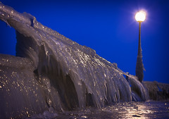 Granita gusto pesce (Galep Iccar) Tags: water iced ice ghiaccio light natur natura night cold freddo trasimeno acqua