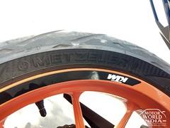 2017-KTM-Duke-390 (69)
