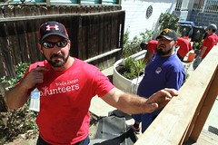 Wells Fargo Volunteers in Los Angeles - New Directions for Veterans