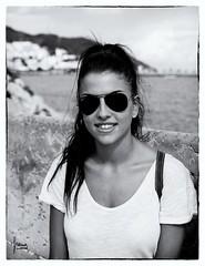 Ítaca & Sitges (Francesc Reina / freina) Tags: bw blanco canon playa bn catalunya sitges blanc negre platja hija nego filla itaca ítaca canon24105lis freina canon5dmarckii francescreina