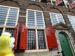 Rembrandt's house, Amsterdam (ashabot) Tags: street travel red art history amsterdam doors cities citystreets rembrandt swami historicalsites worldcities