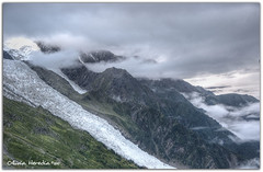 Juste au-dessus des Nuages (Olivia Heredia) Tags: france alps ice alpes hiking verano cablecar eis chamonix francia glaciar hielo hdr highdynamicrange montblanc montaas aiguilledumidi alpessuizos rhnealps topofeurope tonemapped tonemapping 1exp oliviaheredia oliviaherediaotero