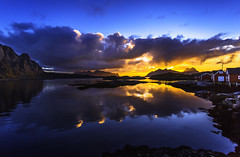 Svolvr, Lofoten (cpphotofinish) Tags: ocean blue autumn light sunset sky panorama mountain color colour reflection fall water weather norway clouds canon landscape outside island eos daylight norge photo reflex day skies foto bright image harbour outdoor n panoramic norwegian nordic dslr scandinavia canondslr lofoten havn bilder vann bluelight skyer kaia hst hurtigruten landskap bilde svolvr norske farger mk3 nordland skandinavia svinya rorbu f4l canonef ef1740mmf4lusm carstenpedersen canonmkiii mklll canon5dmk3 eos5dmk3 verdensvakrestesjreise cpphotofinish canonredlable