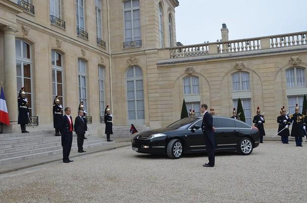 លោកប្រធានាធិបតីបារាំង Francois Hollande សន្យាជួយជំរុញអ្នកវិនិយោគបារាំង មកកម្ពុជា