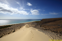 Sotavento beach, Fuerteventura (Allan Jones Photographer) Tags: sky beach seaside sand fuerteventura wideangle shore 16mm sanddune canaryisland jandia allanjones canonef1635mmf4lisusm sotaventobeach canon5d3 allanjonesphotographer