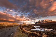 A863 to Sligachan (Tony N.) Tags: road sky mountains clouds reflections evening scotland europe ngc route ciel loch soire nuages reflets vanguard montagnes beforetherain ecosse a863 avantlapluie d810 tonyn lochnaneilean nikkor1635f4 tonynunkovics