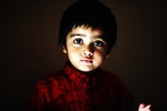 UMAR KALAM (N A Y E E M) Tags: umar kalam son portrait today afternoon bedroom home light red rabiarahmanlane chittagong bangladesh availablelight indoors lulu