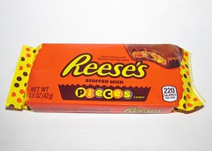 Reese's Peanut Butter Cups with Pieces (Pest15) Tags: reesespeanutbuttercupswithpieces reesespeanutbuttercups hersheys nationalpeanutbutterloversday candy packaging wrapper