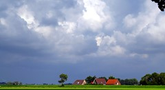 IMG_3071 cieli olandesi (La Patti) Tags: clouds sky august agosto holland olanda landscape estate summer green blue verde blu colori colors holwerd frisia paesi bassi panorama paesaggio nubi nuvolo cloud cloudy nuvole outdoor all'aperto