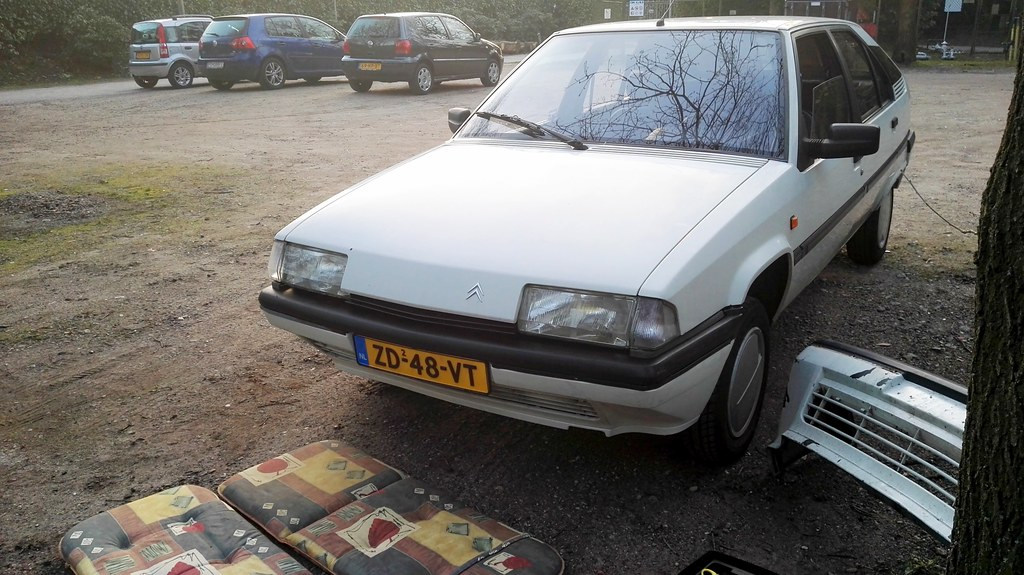 The world 39 s most recently posted photos of tzi flickr for Garage citroen ermont
