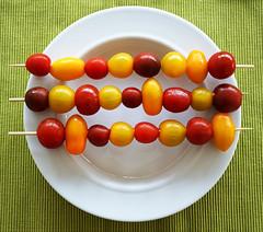 cooking (Rosmarie Voegtli) Tags: pomodori tomatoes tomaten red rouge jaune yellow gelb cooking kochen zuhause explored inexplore