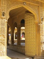 "Jaisalmer: à la recherche des havelis <a style=""margin-left:10px; font-size:0.8em;"" href=""http://www.flickr.com/photos/127723101@N04/22402462511/"" target=""_blank"">@flickr</a>"