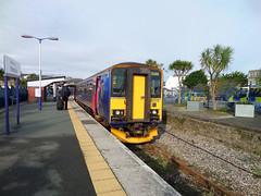 153318 Newquay (2) (Marky7890) Tags: station train cornwall newquay railway gwr dmu class153 fgw supersprinter atlanticcoastline 153318 2n04