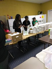 """Thanksgiving 2016: Feeding the hungry in Laurel MD • <a style=""""font-size:0.8em;"""" href=""""http://www.flickr.com/photos/57659925@N06/31136012960/"""" target=""""_blank"""">View on Flickr</a>"""