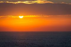 Atardecer, Oia. (dfvergara) Tags: oya galicia españa oia santamariadeoia atardecer mar cielo azul rojo sol nubes ocaso agua atlantico oceano oceanoatlantico