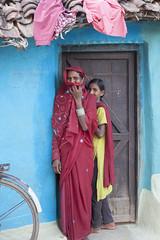 Rural village (wietsej) Tags: rural village gond tribal women door kawardha chhattisgarh india sonyalphadslra900 a900 zeiss sonyvariosonnart2470mmf28za sal2470z 2470