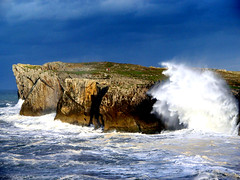 Acantilados de Bramadorio, Llames de Pría, Asturias, España. (PGARCIA.) Tags: acantiladosdebramadorio lamesdepría llanes asturias españa caminodesantiagodelnorte costas mar acantilados naturaleza