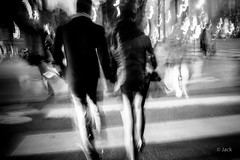 Valentine's day (Jack_from_Paris) Tags: l1010626bw leica m type 240 10770 leicaelmaritm28mmf28asph 11606 dng mode lightroom capture nx2 rangefinder télémétrique bw noiretblanc noir et blanc monochrom wide angle street rue homme femme st valentin mood amour love