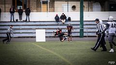 What a catch ! (mzagerp) Tags: football américain foot us scrimmage météores fontenay sous bois chevaliers orléans fédération française de gridiron tackle