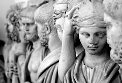 Cosa sai di me? (modestino68) Tags: bn bw arte art scultura sculpture museo museum napoli naples facce faces paoloconte aviontravel