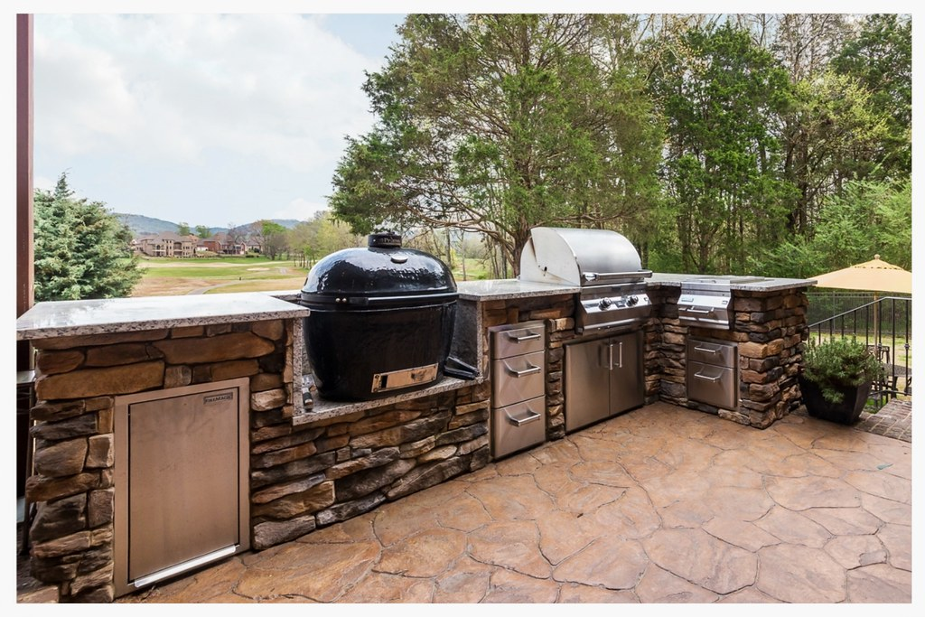 Custom Outdoor Kitchen, Ooltewah, Tn.
