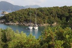 Bde (Benny Hnersen) Tags: holiday boats boote greece griechenland ferie sivota syvota bde 2015 augsut grkenland
