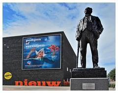NIEDERLNDER & DAS WASSER (Babaou) Tags: water nederland skulptur lely 1022mm flevoland lelystad ijsselmeer niederlande zuiderzee bataviastad pietesser canoneos600d nieuwlandmuseum