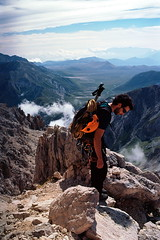 The climber (Alessio Vincenzo Liquori) Tags: mountain film kodak climbing mountaineering 100 climber montagna negativo arrampicata ektar appennini gransasso pellicola alpinista