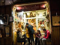 20151120-140 (sulamith.sallmann) Tags: italien people italy rome roma night dark person europa time nacht it menschen trastevere rom dunkel gastronomy personen nachts mensch lokal latium sulamithsallmann strasenszene