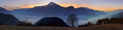 alto Lario (art & mountains) Tags: alpi alps montilariani vision natura hiking silenzio morfologia lacchdecomm alba sunrise vento wind emotional spirit