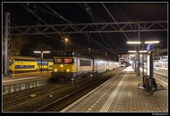 NSR 1762 + 7373 - 6688 (Spoorpunt.nl) Tags: 20 januari 2017 1762 ddar 7373 stam nsr ns reizigers station dordrecht avond nacht sprinter 6688